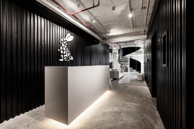 黑色办公室装修效果图